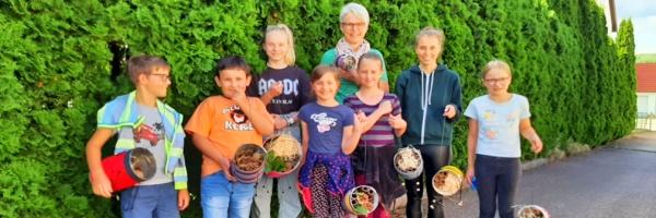 Kinderferienprogramm beim Sängerbund – Insektenhotels selber gemacht.